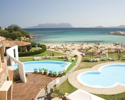 hotel e resort baia caddinas