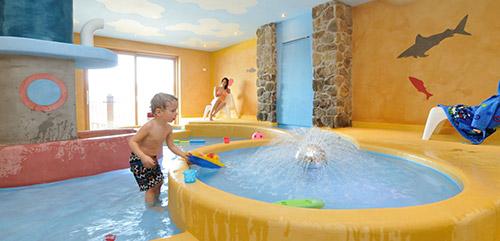Genitori single con bambini all 39 hotel emmy dolomites family resort - Hotel con piscina termale per bambini ...