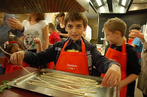 programma detective natura familienhotels corsi di cucina per bambini