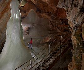 eisriesenwelt grotta di ghiaccio in austria