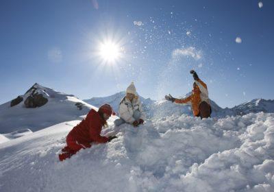 bambini sulla neve monterosa