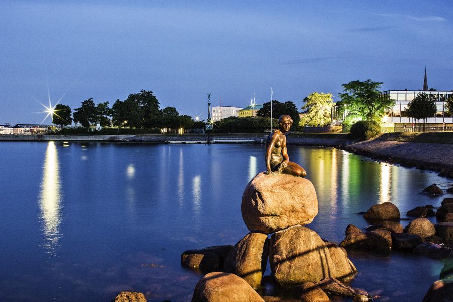 La Sirenetta di Copenaghen in Danimarca con i bambini