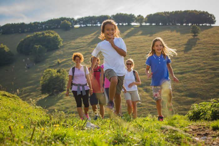 e6126ba193 Altopiano di Brentonico con i bambini gratis: estate nel Parco del Monte  Baldo montagna dei bambini