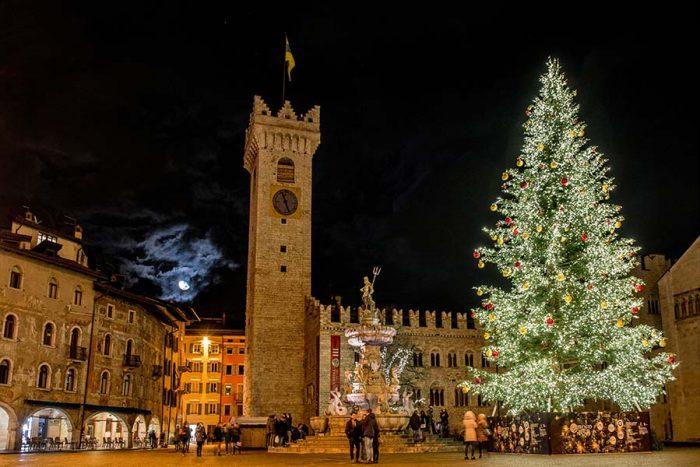 Mercatini Di Natale Trento 2020.Al Mercatino Di Natale Di Trento 2019 Con I Bambini Bimboinviaggio