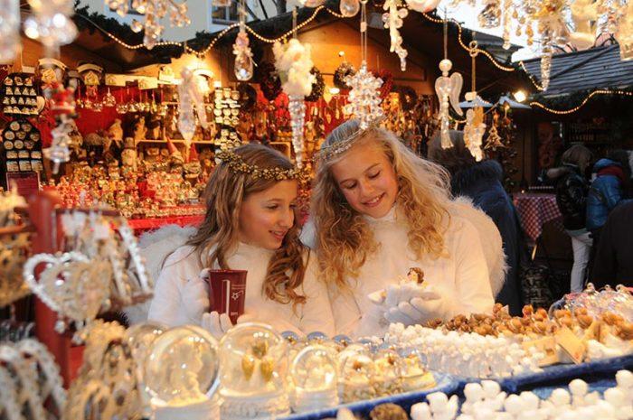 con i bambini al mercatino di Natale di Brunico