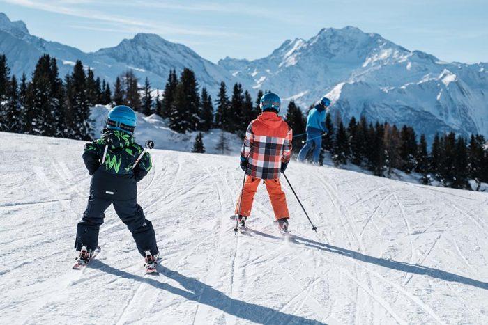 in svizzera nel cantone vallese per sciare con i bambini